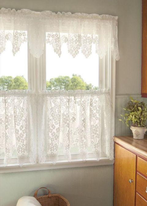 gallery-1484957558-grandma-decor-tiered-kitchen-curtains