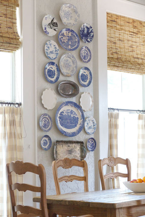 gallery-1484957680-grandma-decor-to-steal-decorative-wall-plates-holly-mathis-interiors