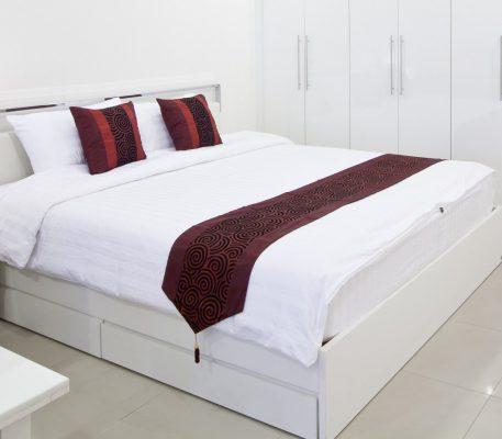 Κρεβατοκάμαρα ξύλινη